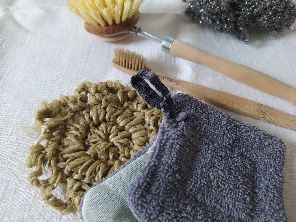 Umweltschonende Reinigungsmittel: Putzutensilien